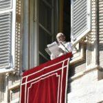 """Papa en el Ángelus: la """"viuda pobre"""" sea nuestro modelo de vida cristiana"""