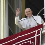 """El Papa a la hora del Ángelus: """"¿Quieres sobresalir? Sirve"""""""